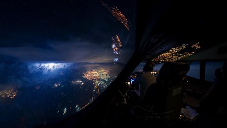 storm-sky-photography-airline-pilot-christiaan-van-heijst-6-57eb67f8ebbb3__880