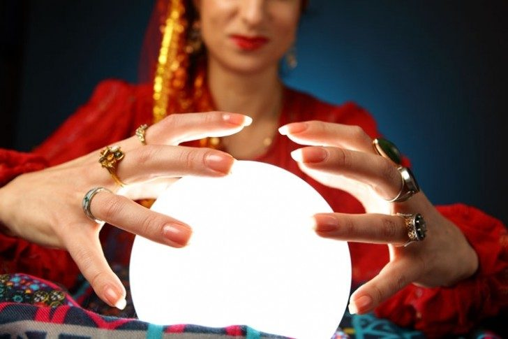 woman_with_crystal_ball