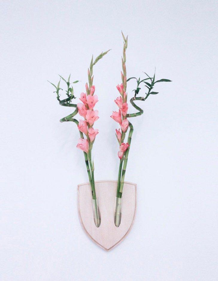 flowers-wall-arangement-replace-dead-animals-elkebana-6