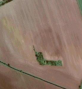 Zdjęcie lotnicze ukazujące zarys budowli.