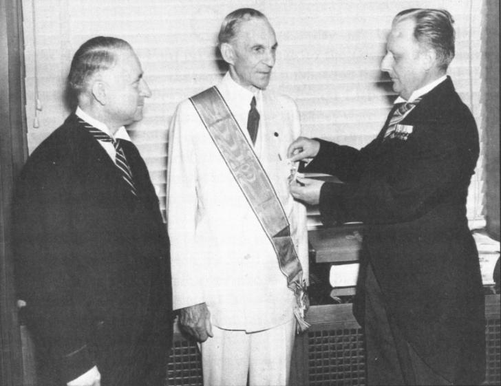 orange-ford-medal2