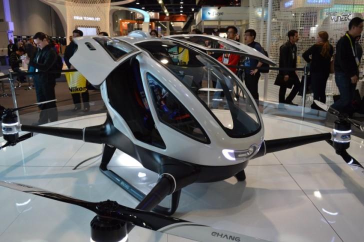 Dron transportujący ludzi
