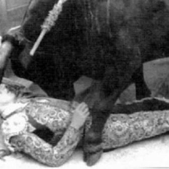 Matador Manuel Granero i Valls umiera podczas corridy, Madryt, Hiszpania, 7 maja 1922 r.