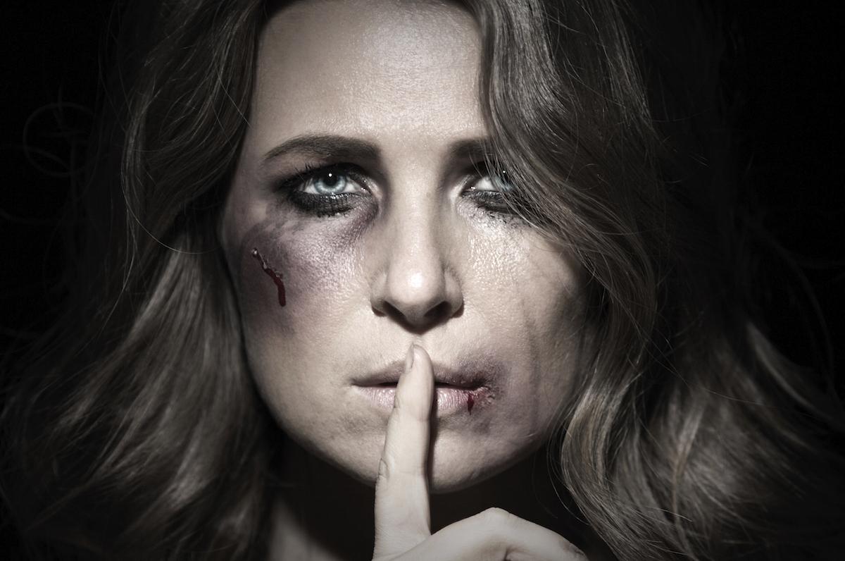 10 przerażających faktów o przemocy domowej