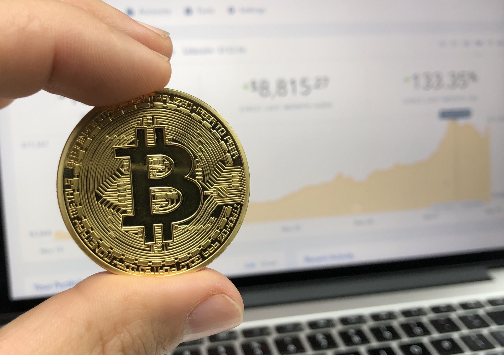 Kto stoi za Bitcoinem? Historia kryptowaluty BTC
