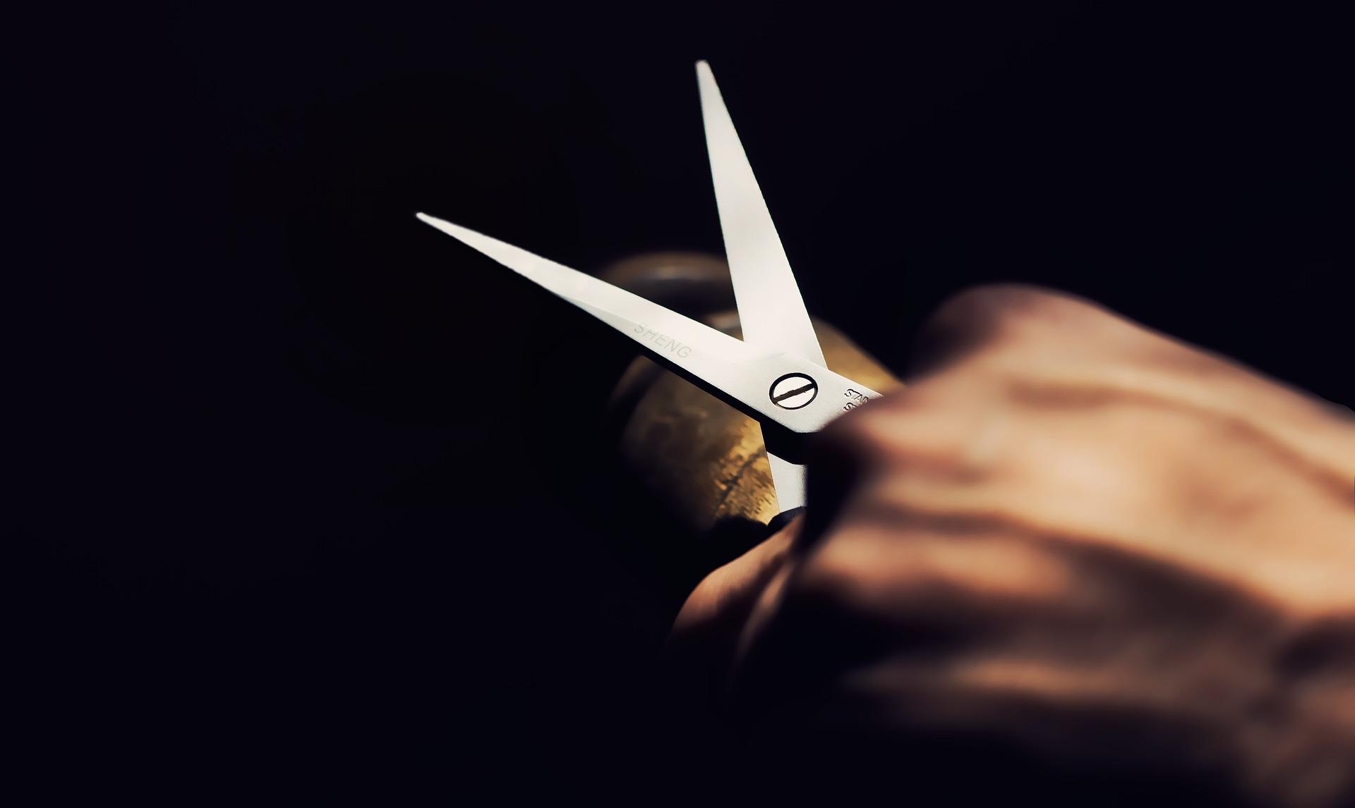 Jak naostrzyć nożyczki?