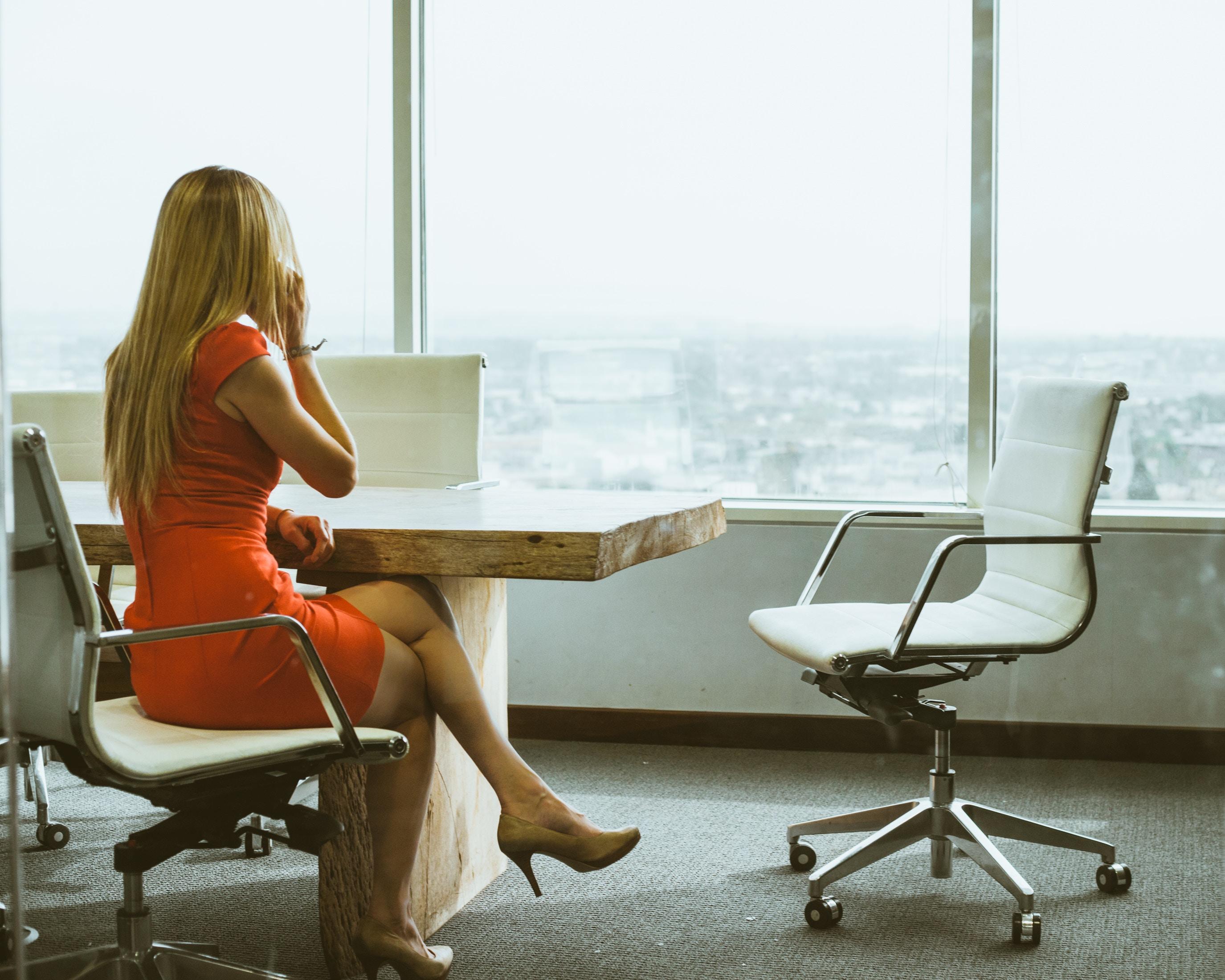 Temperatura w biurze może szkodzić wydajności poznawczej kobiet